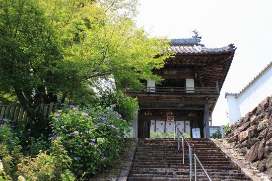 三光寺 山門入口