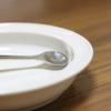 すくいやすい!こぼしにくい!離乳食でユニバーサルプレートというお皿を使ってみた