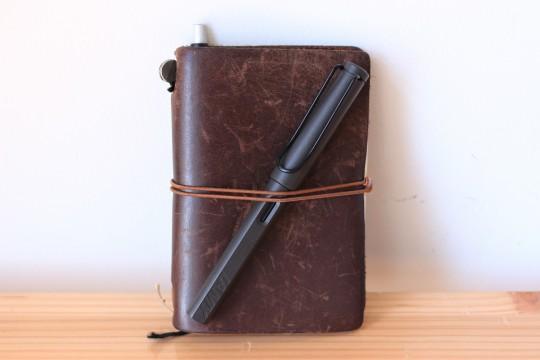 トラベラーズノートへペンを2本装備できるようになった