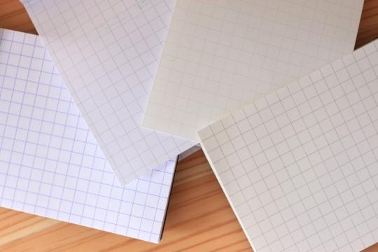 メモパッド並べた紙比較