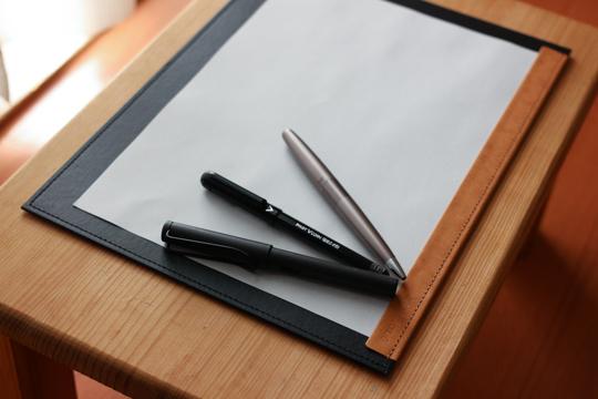 totonoe-Carry Boardペンとともに